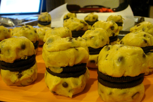 Cookie dough burgers. Nah, just kidding, but that sounds like a bright idea indeed...!